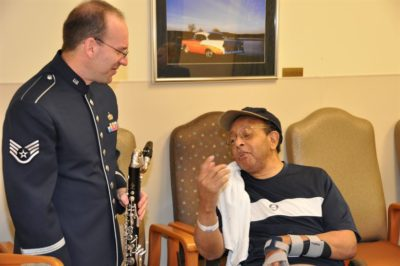http://www.afrc.af.mil/News/Article-Display/Article/157108/af-reserve-band-brings-holiday-cheer-to-veterans/