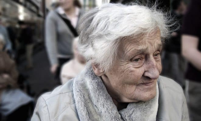 https://images.pexels.com/photos/70578/dependent-dementia-woman-old-70578.jpeg?auto=compress&cs=tinysrgb&dpr=2&h=750&w=1260