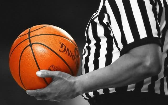 https://pixabay.com/en/basketball-referee-game-orange-885786/