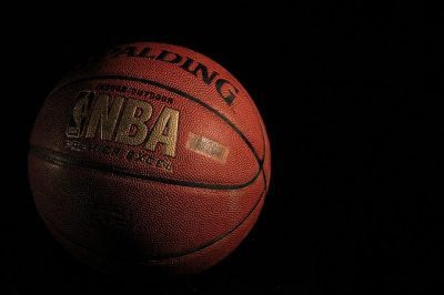 https://pixabay.com/en/basketball-spalding-ball-sport-933173/
