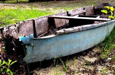 a blue antique boat